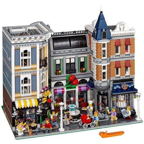 Lego Creator 10255: Piazza dell'Assemblea  (Lingua: Multilingua - Stato: Nuovo)